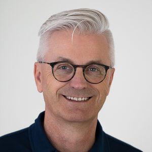 Portrait.Holger.20200911.6472.1200x1200